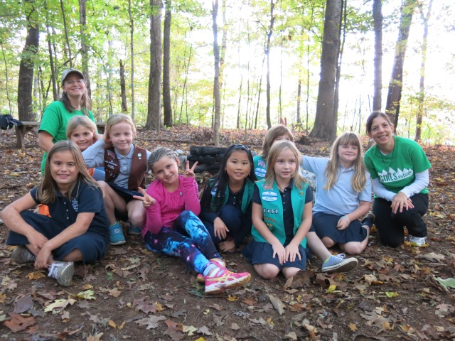 Girls Outside Guides in green shirts, Kelly (L) and Lisa (R) with Episcopal School of Knoxville Brownies & Juniors!